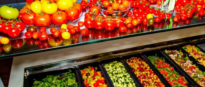 Salatbar til lunsj gir deg like mye grønnsaker som andre spiser på en hel dag