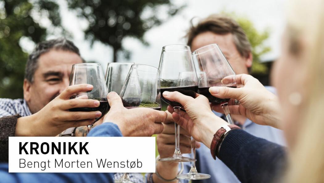 – Jeg tror det er mange som smaker alkohol julaften med barn til stede og viser moderasjon, noe barn har et uproblematisk forhold til, skriver Bengt Morten Wenstøb