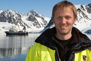 Hver eneste fjord i Norge har sin egen historie. Disse kjenner vi for dårlig, mener Matthias Forwick. Her på Svalbard. (Foto: Karine Nigar Aarskog / UiT)
