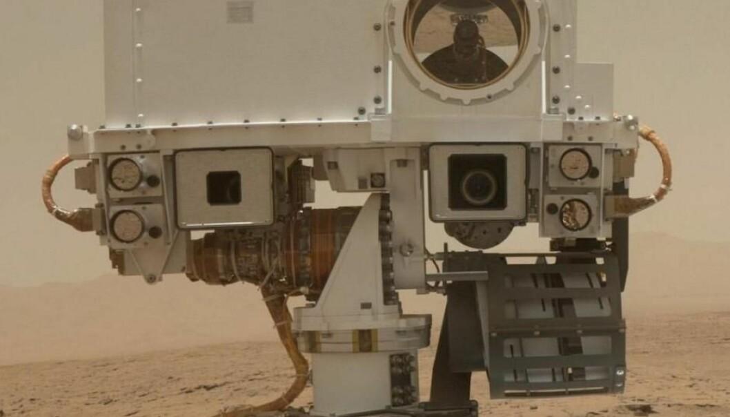 ChemCam-instrumentet, som sitter øverst på Curiosity, finner nå målene sine selv.  (Foto: NASA/JPL-Caltech/MSSS)
