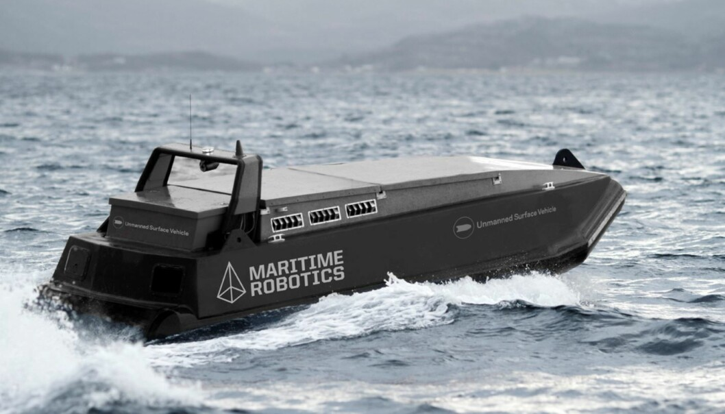 En førerløs båt spiller en av hovedrollene i det autonome oppdrettsanlegget som utvikles i Trondheim. (Foto: Sintef/Maritime Robotics)