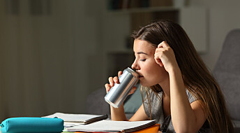 Forskere skal undersøke hvor farlig energidrikke er for unge