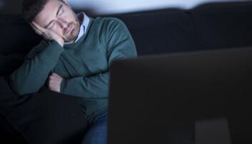 Seriemaraton går ut over nattesøvnen uansett om du sitter i sofaen eller tar en skjerm med på soverommet for å se et par episoder av favorittserien din. (Foto: Shutterstock / NTB scanpix)