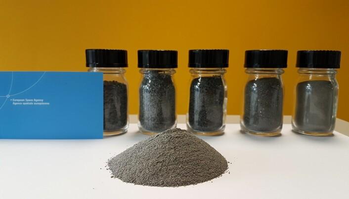 EAC-1 skal fungere som en etterlikning av måneregolitt. (Foto: ESA)