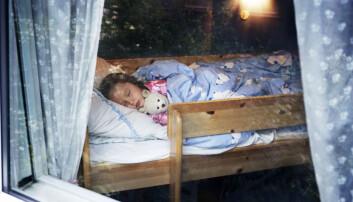 Det er ikke alltid like lett å være tidlig nok i seng når det er lyst om sommeren, for så å våkne tidlig om morgenen.  (Foto: Berit Roald / NTB Scanpix)