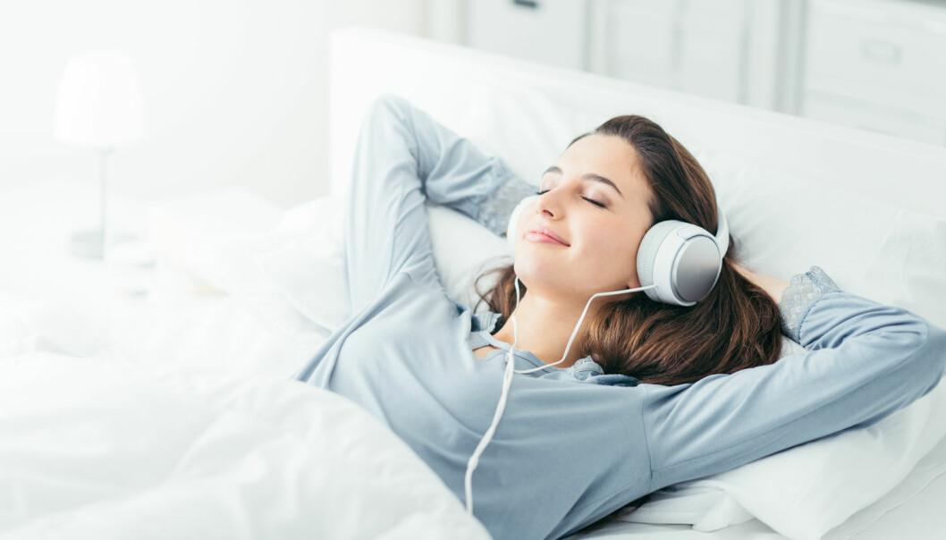 Under REM-søvn kan hjernen fange opp og lagre hva som skjer rundt oss. Derfor kan man faktisk lære noe mens man sover.  (Foto: Stock-Asso / Shutterstock / NTB scanpix)