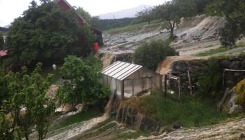 Flommene i Europa flytter seg i tid. Vi vil også få flere flommer som denne i Gloppen kommune i Sogn og Fjordane i juli, og færre som skyldes snøsmelting. (Foto: Runar Sandnes, NTB scanpix)