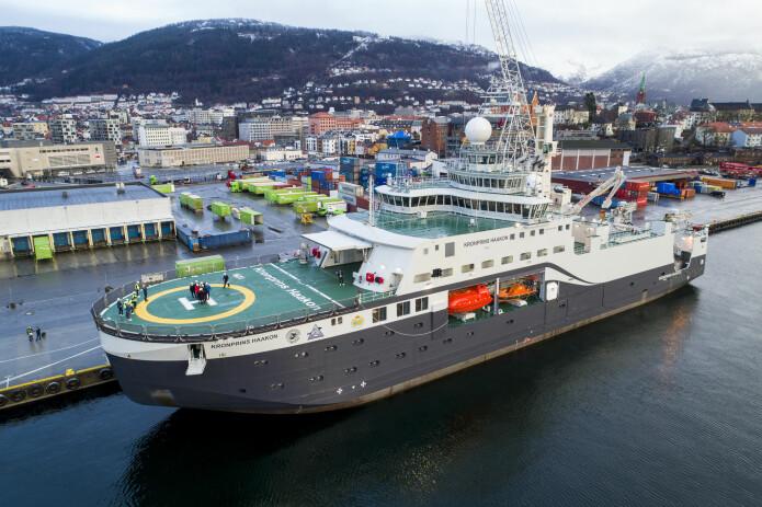 Forskningsskipet Kronprins Haakon skal døpes i Tromsø i november. Her ligger skipet til havn i Bergen, like etter at det ankom fra verftet i Italia i januar. (Foto: Tore Meek / NTB scanpix)