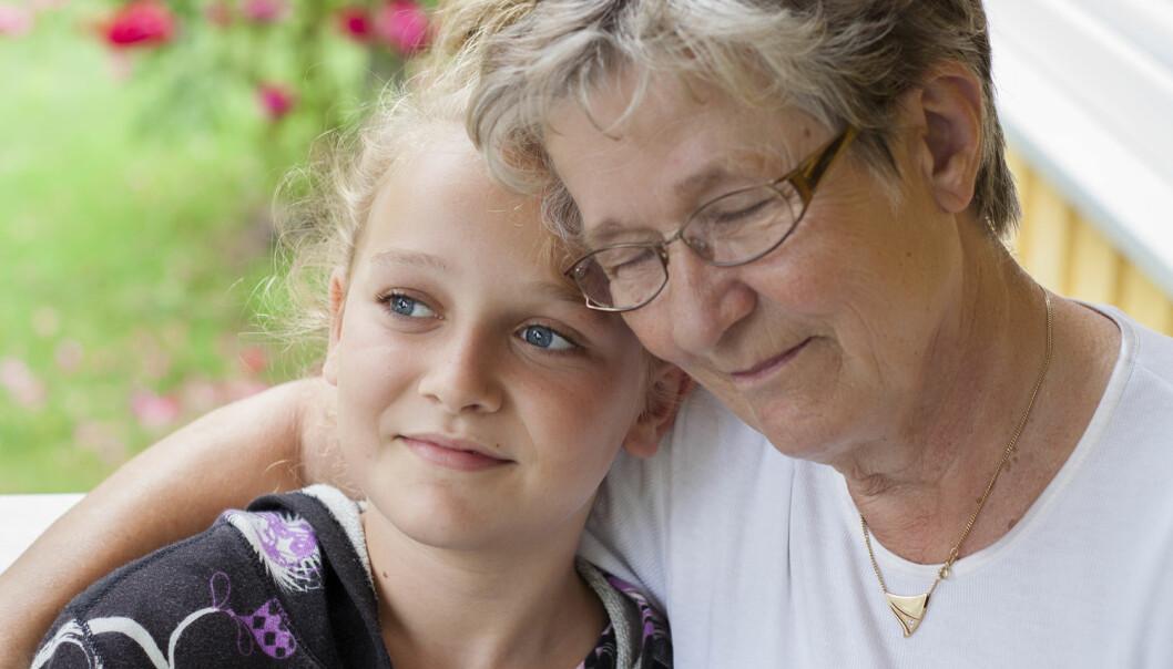 Bestemor kan barn - og kan avlaste foreldrene. Det er en fordel for menneskene.  (Foto: AnneMS / Shutterstock / NTB scanpix)