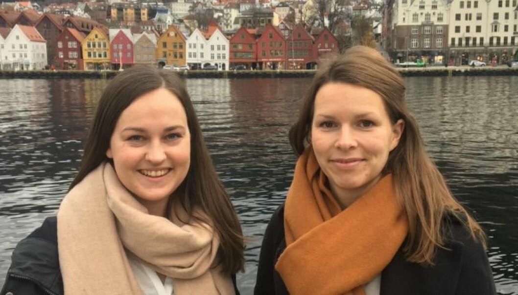Ingvill Nødland (t.v) og Benedicte Sletten Larsen er som jobbspesialister. Mesteparten av arbeidsdagen deres handler om å følge opp jobbsøkere, både før og etter ansettelse. Individuell jobbstøtte (IPS) er en modell som forskning viser har effekt. (Foto: Privat)