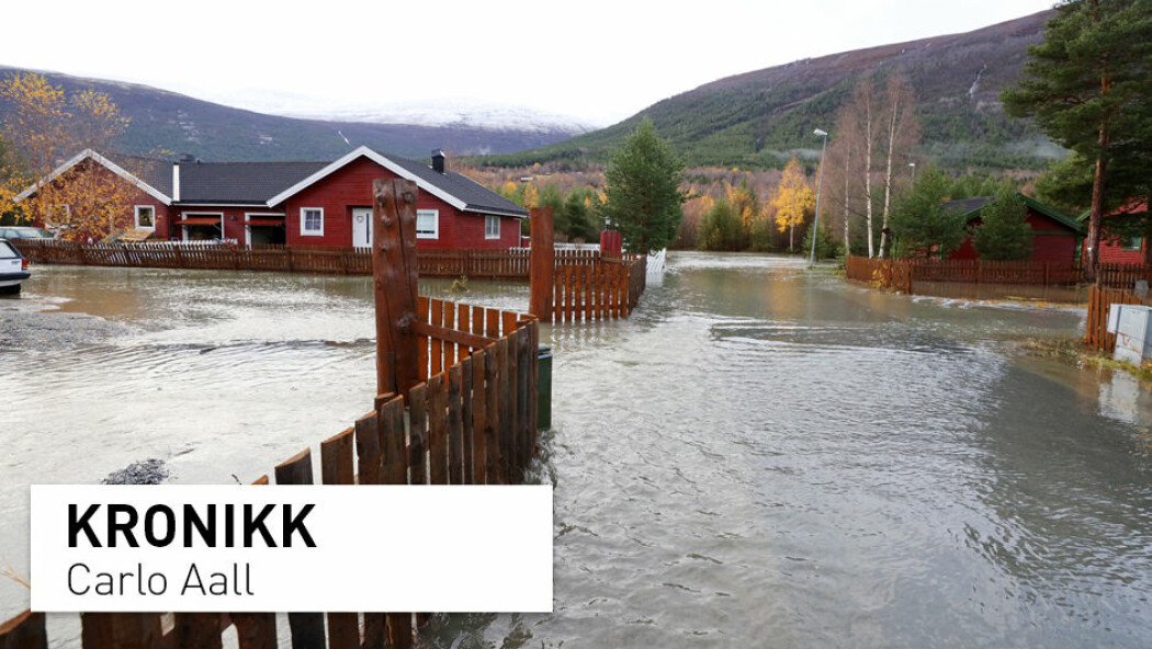 - Hvem hadde trodd at en av Norges tørreste kommuner – Skjåk – skulle bli utsatt for flom; for ikke å snakke om at flommen skulle komme på grunn av massiv snøsmelting i midten av oktober! skriver kronikkforfatteren. (Foto: Ørn Borgen / NTB scanpix)