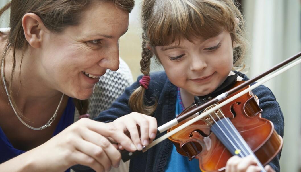 Forskernes øve-tips kan være spesielt nyttig for alle foreldre med barn som ønsker å lære noe nytt eller bli bedre i noe. (Illustrasjonsfoto: Colourbox)