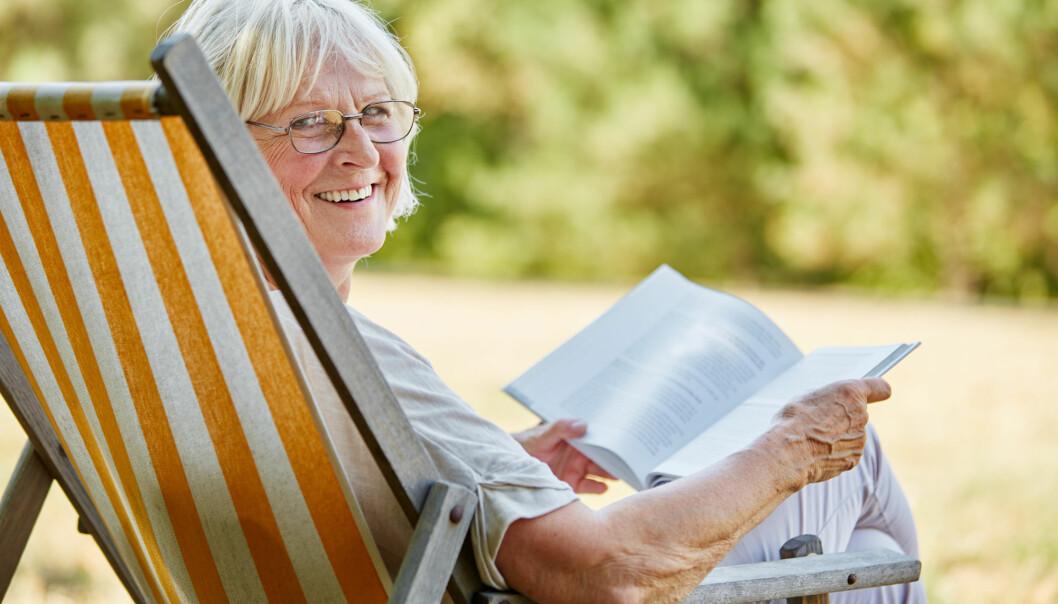 Mange som nærmer seg pensjonsalderen lengter etter å få kontroll over tiden sin selv. Mange ønsker mer tid til å lese bøker, til å holde seg i form eller til å reise. Men er det egentlig bra for helsa å pensjonere seg? Nå kan forskningen gi svar. (Foto:Robert Kneschke / Shutterstock / NTB scanpix)