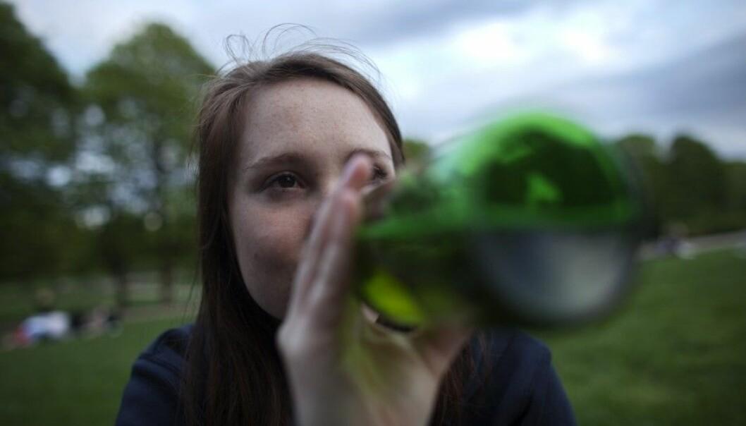 Forskerne har sett på forskningen på hvordan drikke mye og tett mens du er ungdom, påvirker flere deler av hjernen.  (Illustrasjonsfoto: Kyrre Lien / NTB Scanpix)