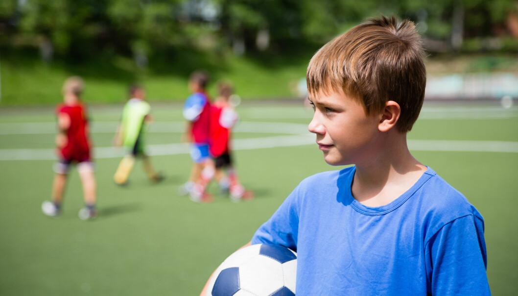 Ungdomsidretten har blitt mer alvorlig og fagkunnskap blir viktigere. Det kommer krav om bedre kvalifiserte trenere, mer kunnskapsbaserte treningsopplegg og mer avansert utstyr og treningsfasiliteter, mener forsker. Nå er det mye som tyder på at dette ekskluderer noen fra ungdomsidretten. Det bekymrer Norges idrettsforbund. (Foto: DoublePHOTO studio / Shutterstock / NTB scanpix)