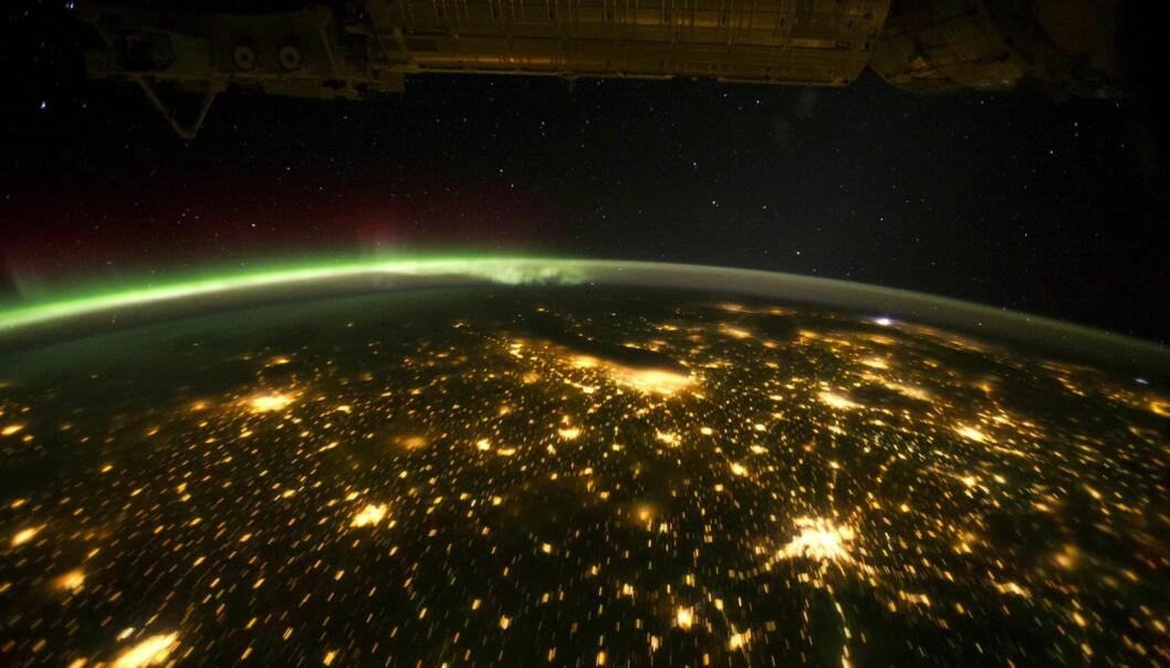 Den amerikanske midtvesten om natten, sett fra den internasjonale romstasjonen. (Bilde: NASA)