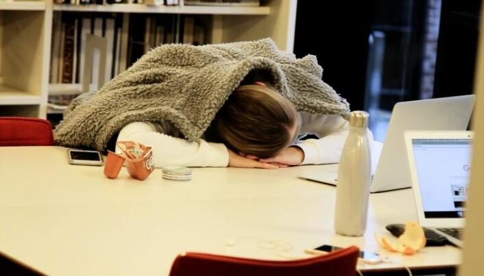 Slik får du bedre søvn i eksamenstida