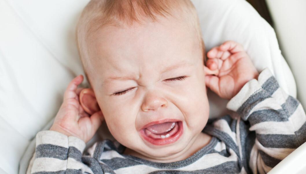 I Danmark få tusenvis av barn, særlig på 1–2 år, operert inn dren på grunn av ørebetennelse. Noen tilfeller kunne unngås hvis moren ikke hadde fått antibiotika, viser ny dansk forskning. (Foto: Sokolova Maryna / Shutterstock / NTB scanpix)