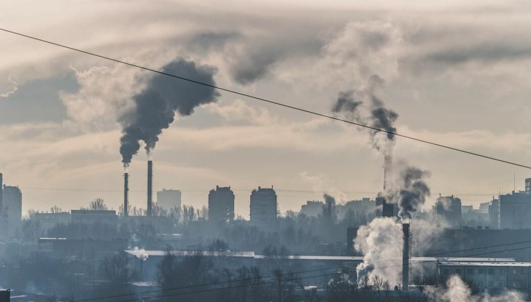 Mange produkter lages i dag av olje. Kanskje kan de lages av CO2 i fremtiden. (Foto: Witolda / Shutterstock / NTB scanpix)