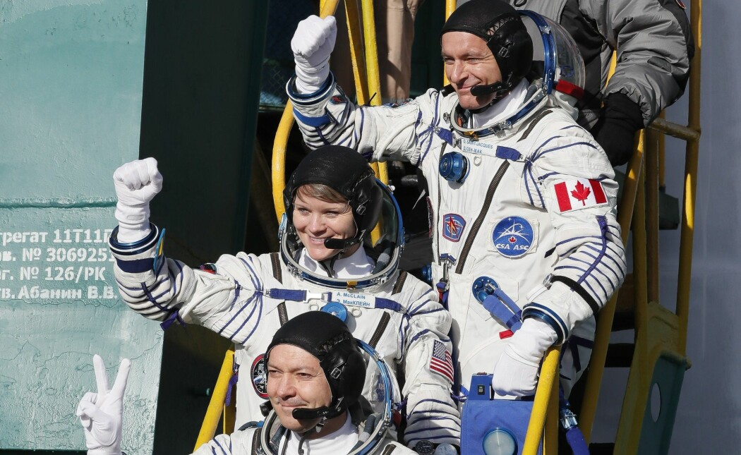 Klokken 12.30 ble den erfarne russiske kosmonauten Oleg Kononenko, canadiske David Saint-Jacques og Anne McClain skutt opp fra romfartsbasen Bajkonur i Kasakhstan. Utskytingen skal være suksessfull. (Foto: Shamil Zhumatov/AP/NTB scanpix)
