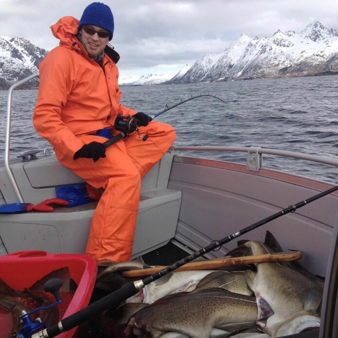 Fryst fiskelykke varer enda lenger, er Mortens filosofi. (Foto: Svein Heide)