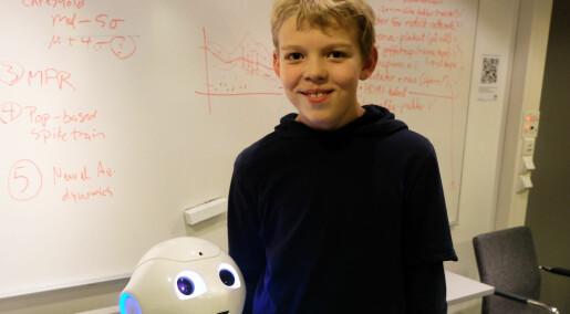 Slik vil forskeren lære barn å programmere roboter