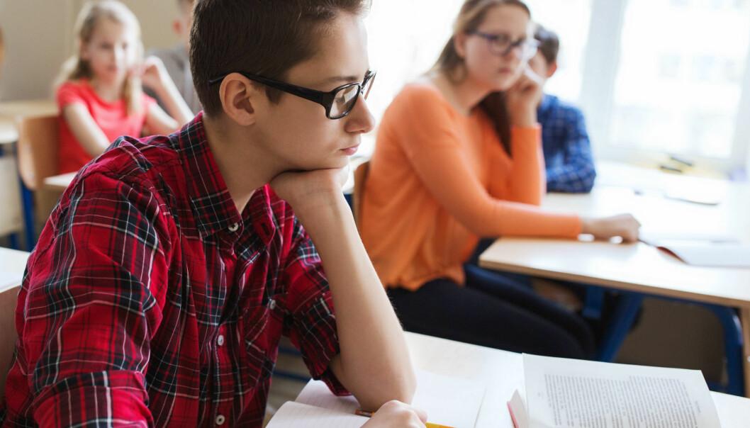 Hvordan kan læreren hjelpe barn som sliter med å komme overens med de andre i klassen? Forskere har nå laget et skjema som kan hjelpe læreren å kartlegge barnas sosiale ferdigheter. (Illustrasjonsfoto: Colourbox)