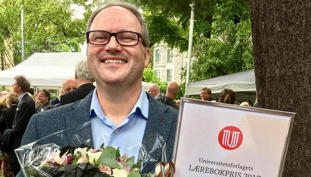 Førsteamanuensis Jarle Sidney Diesen har fått årets lærebokpris 2017 fra Universitetsforlaget.  (Foto: Åse Nylenna Akslen)