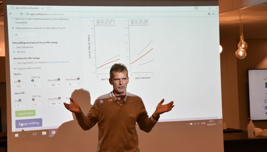 Peder A. Jansen presenterer på vegne av forskerne i Veterinærinstitutets lakselusgruppe.  (Foto: Asle Haukaas)
