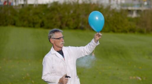 11. desember: Dette skjer når du setter fyr på en hydrogenballong