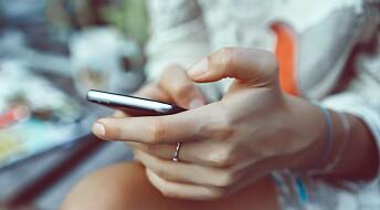 Faktisk.no: Nei, mobilen gir ikke større skader på huden enn sol
