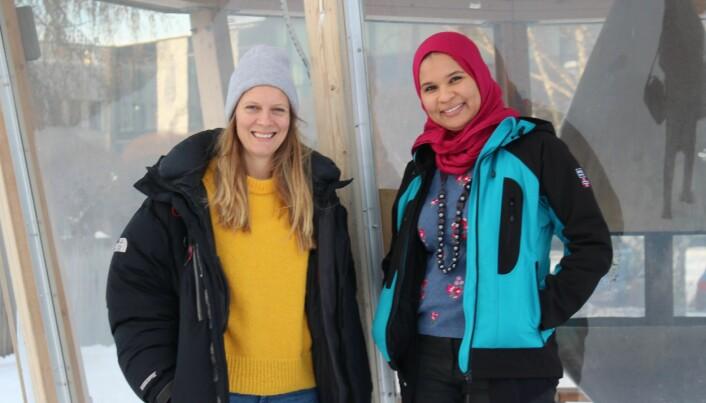 Christine Holst og Wisam Ahmed Mansour leder hvert sitt prosjekt knyttet til basic internet. (Foto: Elise Kjørstad).