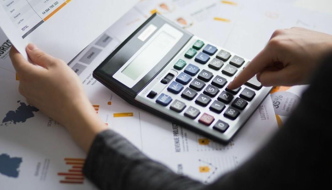 Det er sammenheng mellom de landene som har mange økonomer i departementene, og positive følger for blant annet skattepengene som staten får inn, ifølge forsker. (Illustrasjon: Shutterstock, NTB scanpix)