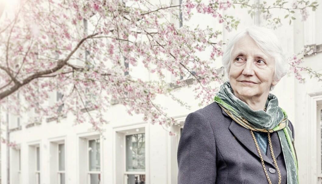 Den verdensledende filosofen Onora O'Neill er bekymret for en britisk valgkamp som framstår som en popularitetskonkurranse mer enn å skaffe en regjering som kan styre. Torsdag denne uka får hun Holbergprisen i Bergen. (Foto: Martin Dijkstra / Holbergprisen / NTB scanpix)