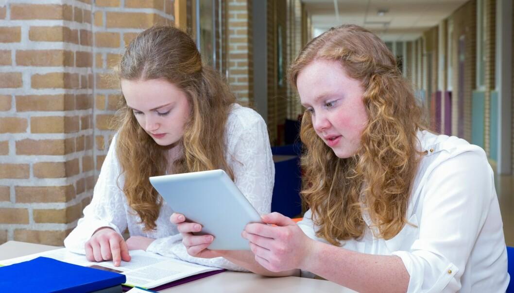 Unge jenter sliter mer med helseplager enn unge gutter. En studie har undersøkt årsakene. (Illustrasjonsfoto: Shutterstock / NTB scanpix)