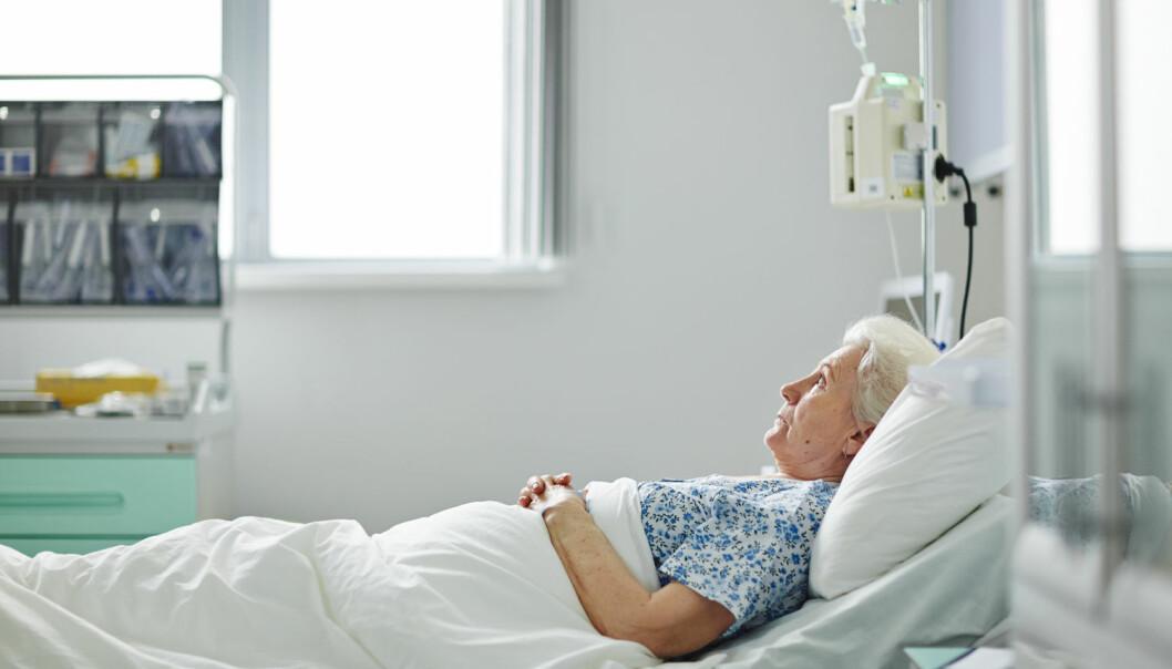 Pasientene mener personalet på de kommunale døgnenhetene har god tid, de føler seg godt ivaretatt og sett som et helt menneske- Sykehusene beskriver de som travle og stressende.   (Foto: Shutterstock / NTB scanpix)