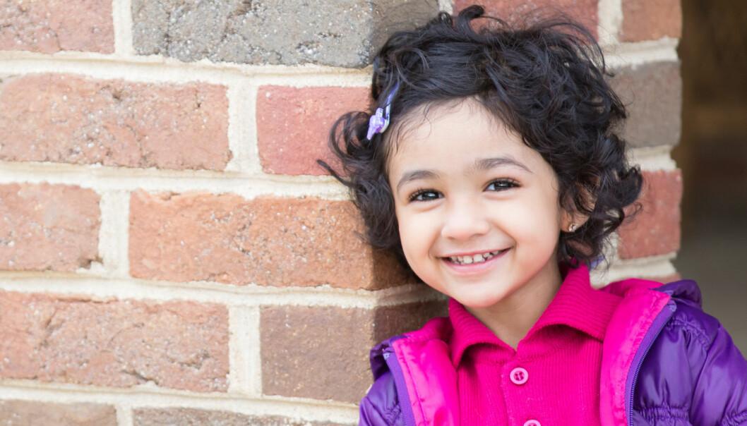 Barn fra med bakgrunn fra Sør-Asia og Afrika har høyest risiko for å utvikle rakitt, eller engelsk syke. Selv om det er blitt 75 prosent flere barn i Norge som har bakgrunn fra disse områdene, er det nå langt færre som har fått den farlige barnesykdommen. (Illustrasjonsfoto: Ami Parikh / Shutterstock / NTB scanpix)