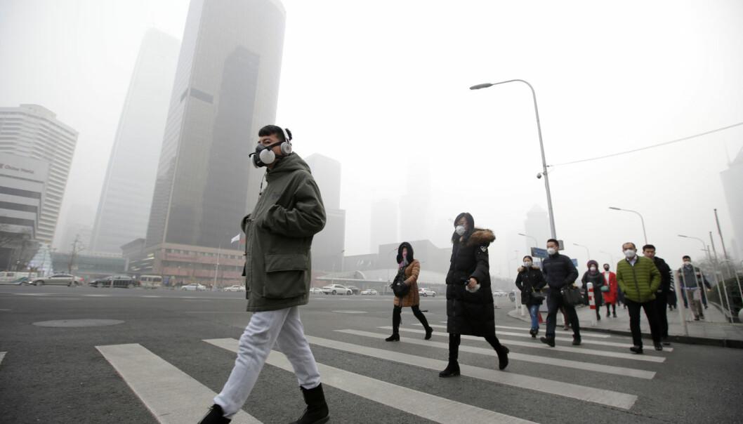 Forskere har undersøkt media 100 år tilbake i tid og viste at bruken av begrepet «smog» eksploderte først i 2012 og 2013. Bildet er fra Beijings gater i desember i fjor.  (Foto: REUTERS/Jason Lee / NTB Scanpix)