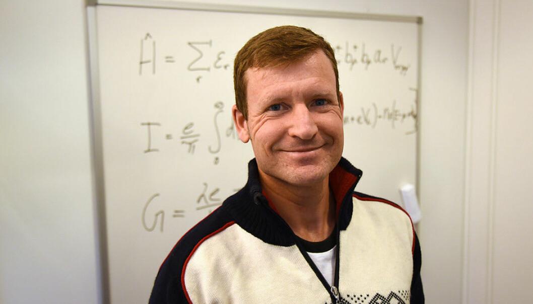 Professor Kjetil Magne Dørheim Hals skal dei neste fire åra arbeida med eit nytt forskingsområde i Noreg: antiferromagnetisk spinnmekatronikk. (Foto: UiA)