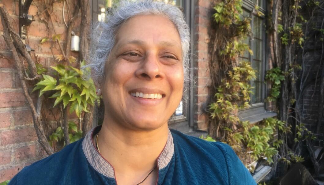 I forrige uke var Sujatha Ramdorai i Norge for å introdusere filmen «The Man Who Knew Infinity». Filmen handler om den selvlærte matematikeren Srinivasa Ramanujan (1887–1920). I 2006 fikk Sujatha Ramdorai prisen som er oppkalt etter landsmannen, Ramanujan-prisen. (Foto: Eivind Torgersen)