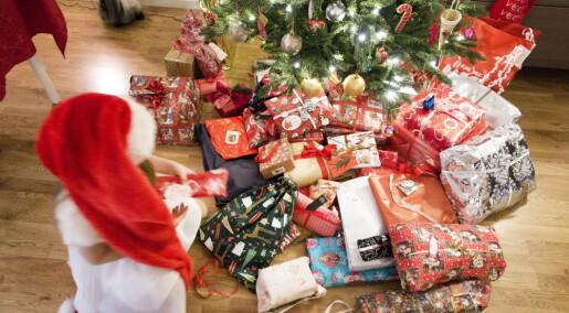 Derfor skal julepapiret i restavfallet