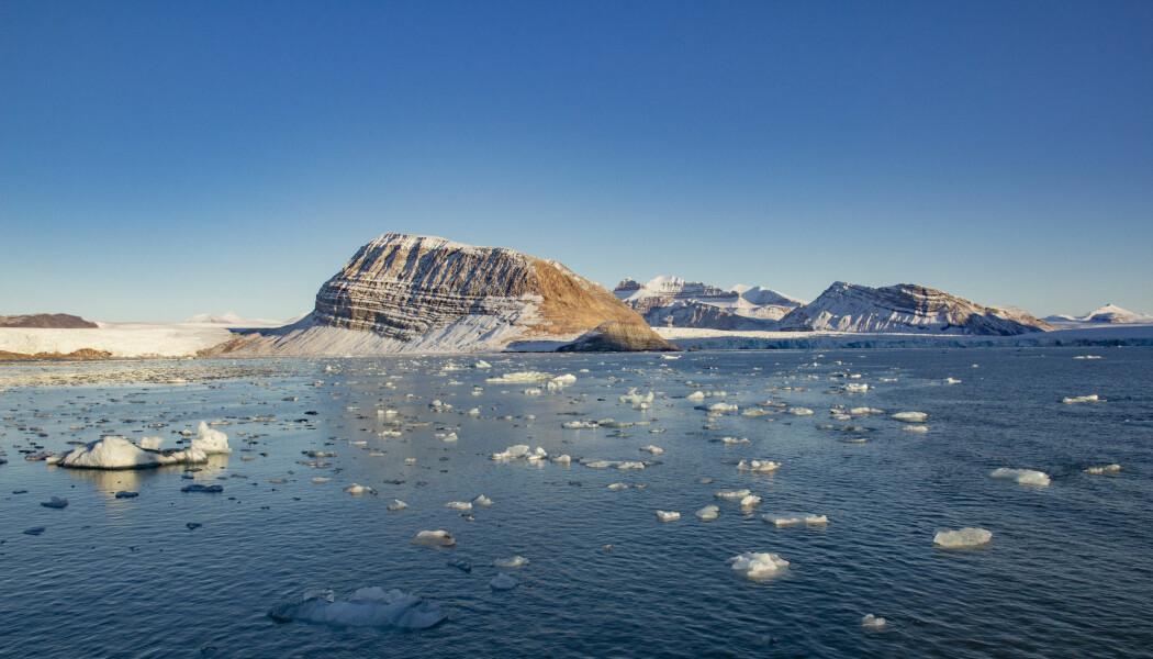 Det nye geologiske Arktis-kartet har vært et samarbeid mellom mange land. Bildet viser Kongsfjorden ved Ny-Ålesund på Svalbard. (Foto: Are Føli / NTB scanpix)