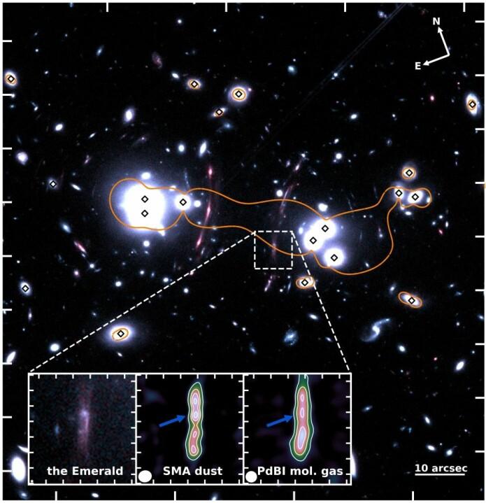 Her er området omkring Smaragden sett igjennom Hubble-romteleskopet. Inne i firkanten i midten av bildet kan du se lyset fra galaksen Smaragden. De små svarte firkantene inni lyssirklene på bildet er de galaksene som ligger mellom jorden og Smaragden. Den oransje sirkelen er punktet der forstørrelsesglasseffekten er sterkest. (Foto: Raoul Cañameras et al.)