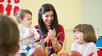 Voksnes samtaler med de minste barna i barnehagen er viktig for språkutviklingen
