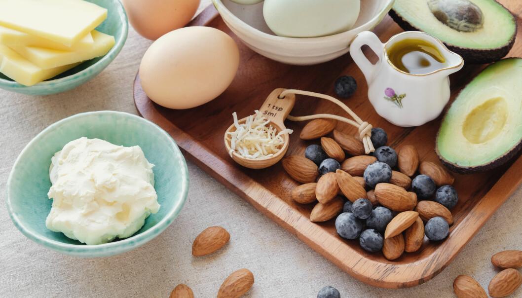 Mennene i undersøkelsen fikk 64 prosent av energien fra fett. Den ene gruppa spiste mye mettet fett, for eksempel fra kjøtt og meieriprodukter. Den andre spiste mye flerumettet fett, som typisk finnes i planteoljer. (Foto: SewCream / Shutterstock / NTB scanpix)