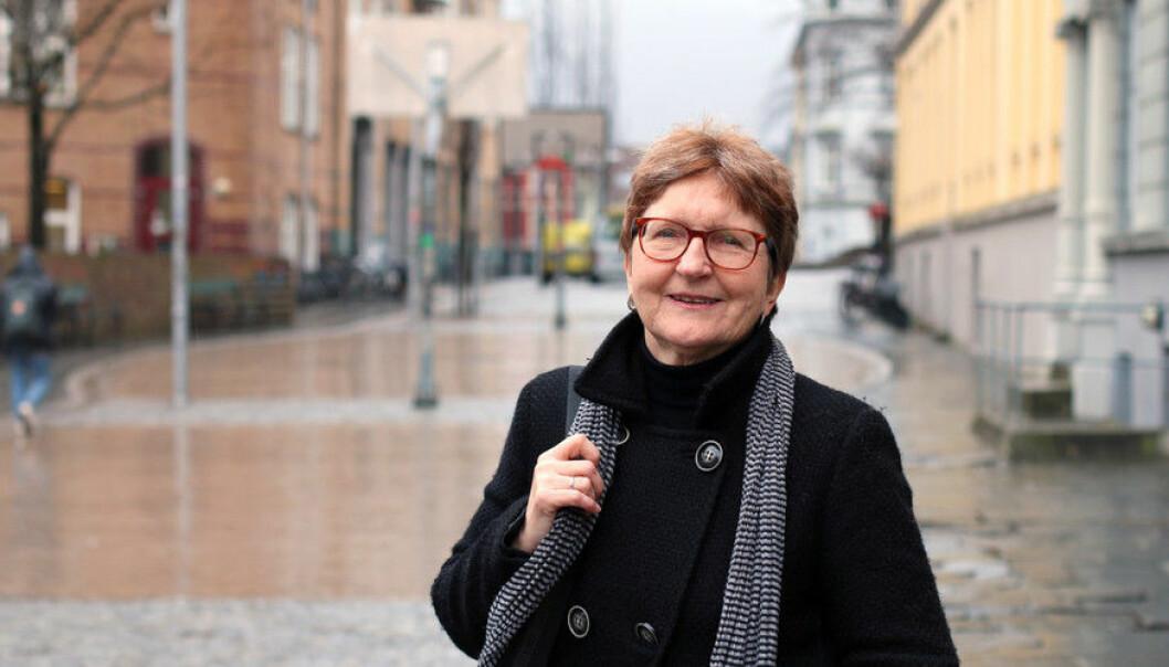 Grete Netteland er forskar og instituttleiar ved institutt for samfunnsvitskap ved Campus Sogndal ved Høgskulen på Vestlandet. Ho har sett på korleis informasjonsbehovet til arbeidsinnvandrarar blir vareteke når dei buset seg i Noreg. (Foto: Marthe Njåstad)