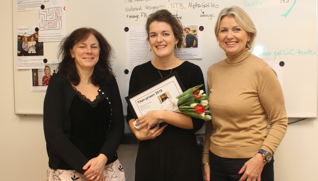 Fra venstre: Titans redaktør Wenche Willoch, prisvinneren Céline Cunen og det Matematisk-naturvitenskapelige fakultetets visedekan Kristin Vinje. (Foto: Bjarne Røsjø, UiO)