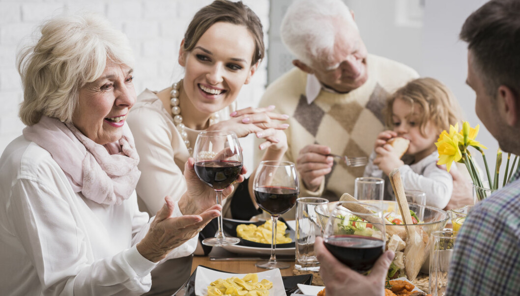 Hva vi dør av, varierer avhengig av vår alder. De fleste som dør før fylte 70, dør av kreft. Lungekreft er den kreftsykdommen som flest dør av. Jo eldre vi blir, desto mer øker risikoen for å dø av andre sykdommer, eller ulykker.   (Foto: Shutterstock/NTB/Scanpix)