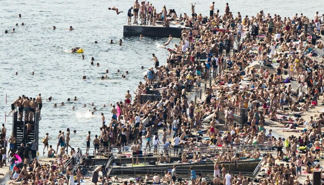 Folk i Oslo strømmet til fjorden for å bade da rekordvarmen slo inn i mai. (Foto: Berit Roald / NTB scanpix)