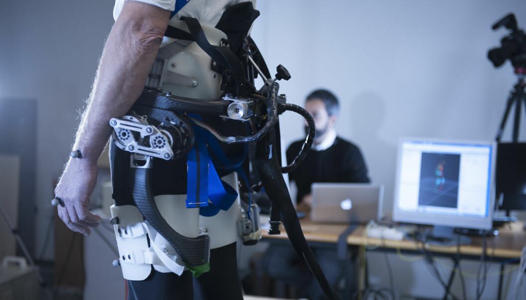 Dette robotbeltet merker om du faller.  (Foto: Hillary Sanctuary / EPFL)